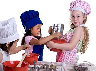 Barn i köket